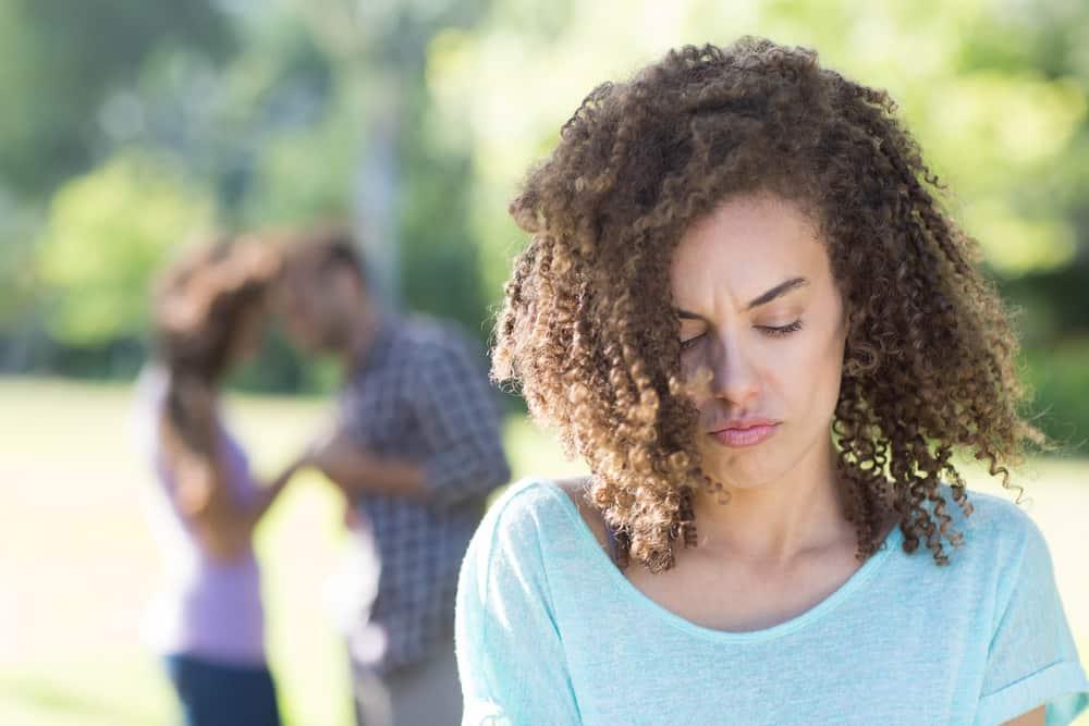 Ajuda mulheres solitárias 54989